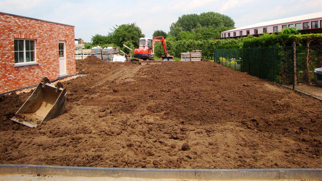 tuinaanleg, grondwerken, nivellering, tuinaannemer, graafwerken